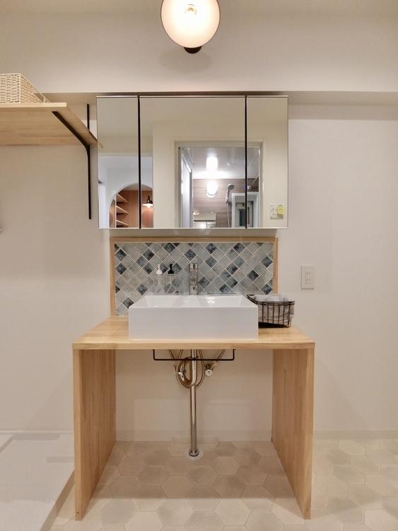 オリジナルの造作洗面台