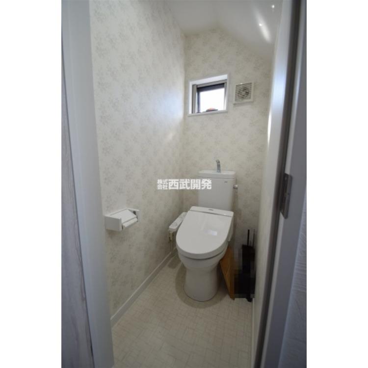 温水洗浄便座付のトイレです。