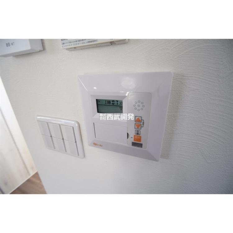 リビングには床暖房があります。エアコンとちがい、ほこりやハウスダストが巻き起こりにくいので衛生的です。