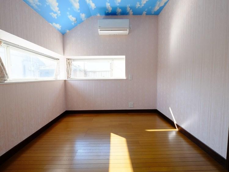 コンパクトな部屋でも、工夫次第で広く暮らすことは可能。基本のセオリーを押さえたら、間取りや好みに合ったアイテムをプラスすればOKだ。