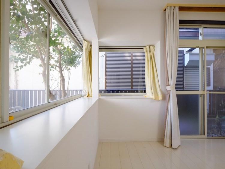 陽光を浴びる明るいリビングスペースは、きっと住む方の気持ちも明るくしてくれる筈です。