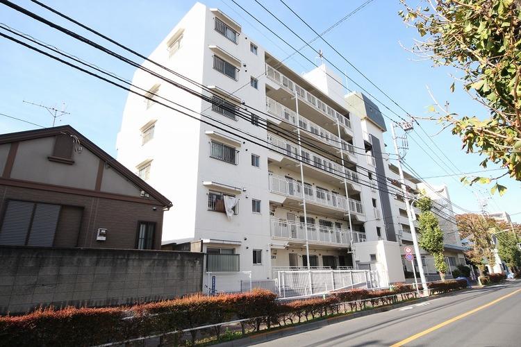 都営三田線「志村坂上」駅徒歩5分の好立地。周辺には買物施設が充実しています