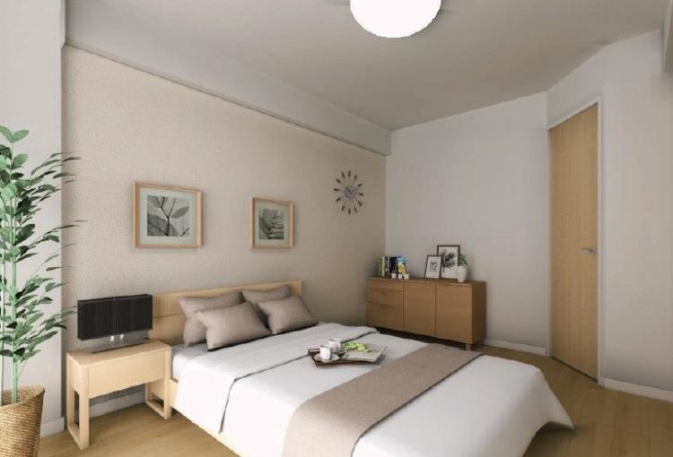 主寝室にふさわしい約6.0帖の洋室1。一部壁面には空間に馴染みやすい淡い色合いのアクセントクロスを採用しました