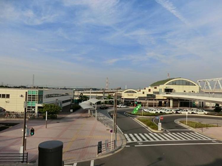JR新三郷駅 2412m