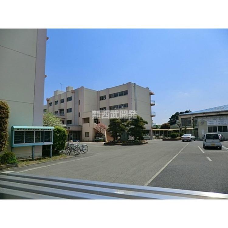 坂戸中学校(約1100m)