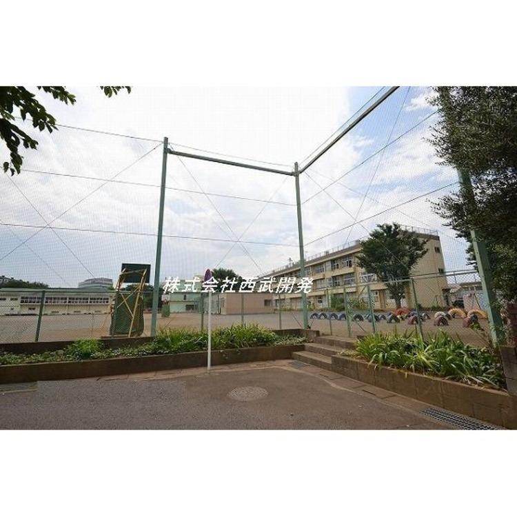 ふじみ野市立鶴ケ丘小学校(約1200m)
