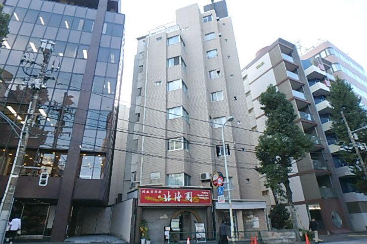 1階部分に飲食店の入ったマンションです。