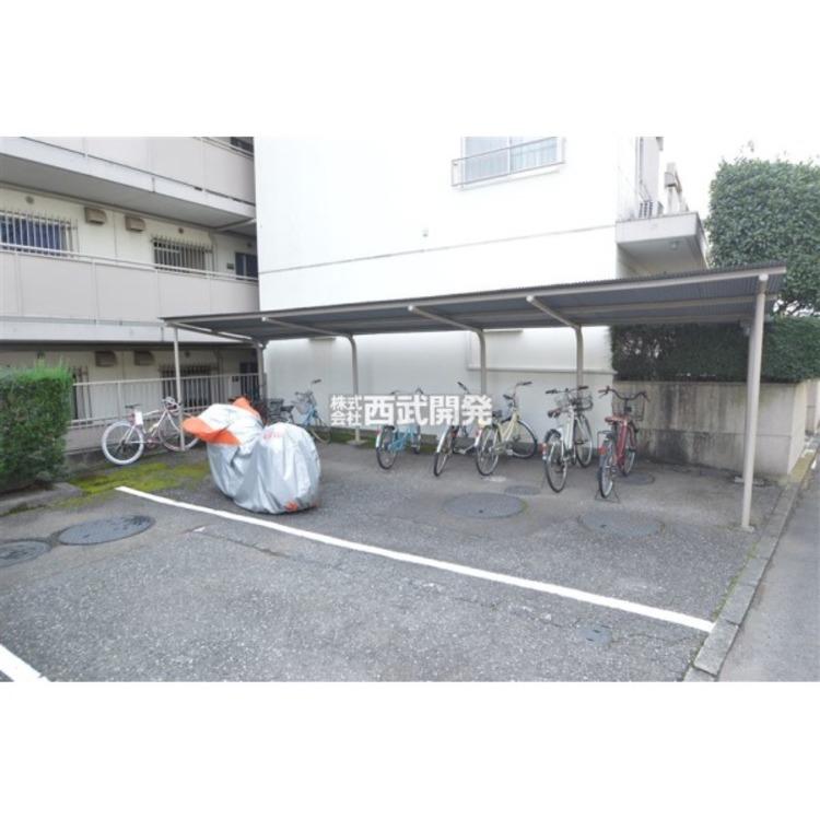 駐輪場とバイク置場
