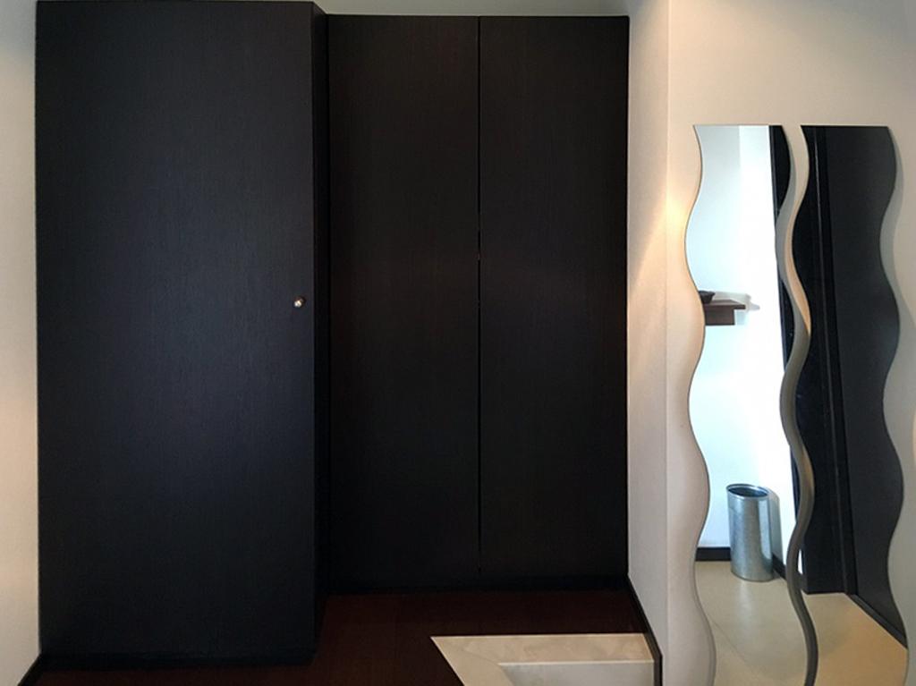 収納充実な上、清潔感のある落ち着いた雰囲気の玄関です。