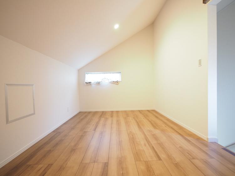 固定階段付7.5帖小屋裏収納で片付け上手な暮らし。