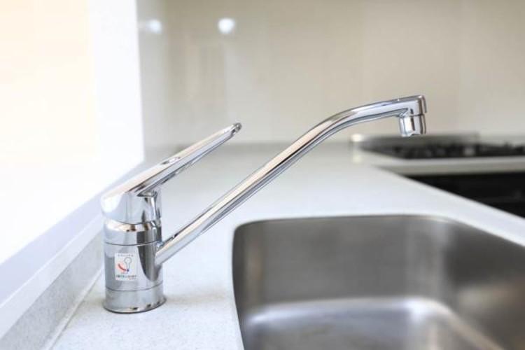 お手入れのしやすいレバー式水栓