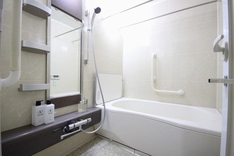 【浴室】一日の疲れを癒してくれるお風呂空間。使いやすさと上質な質感を両立して、単なる習慣から特別な時間に変わるはず。
