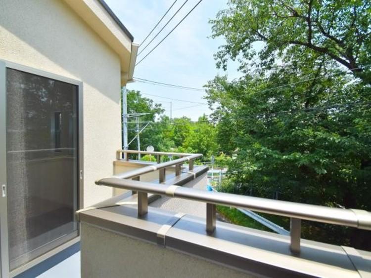 東武アーバンパークライン「大宮公園駅」徒歩12分 公園と緑に囲まれた閑静な住宅街。