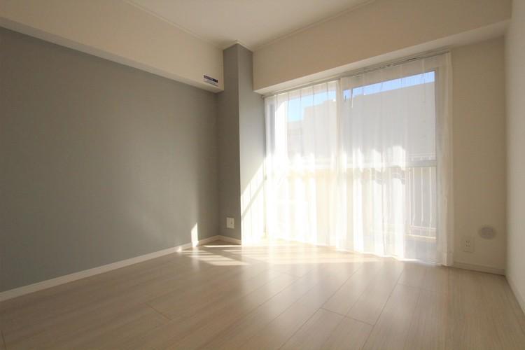 ベッドなどの大きな家具を置いてもゆとりのあるスペースを確保