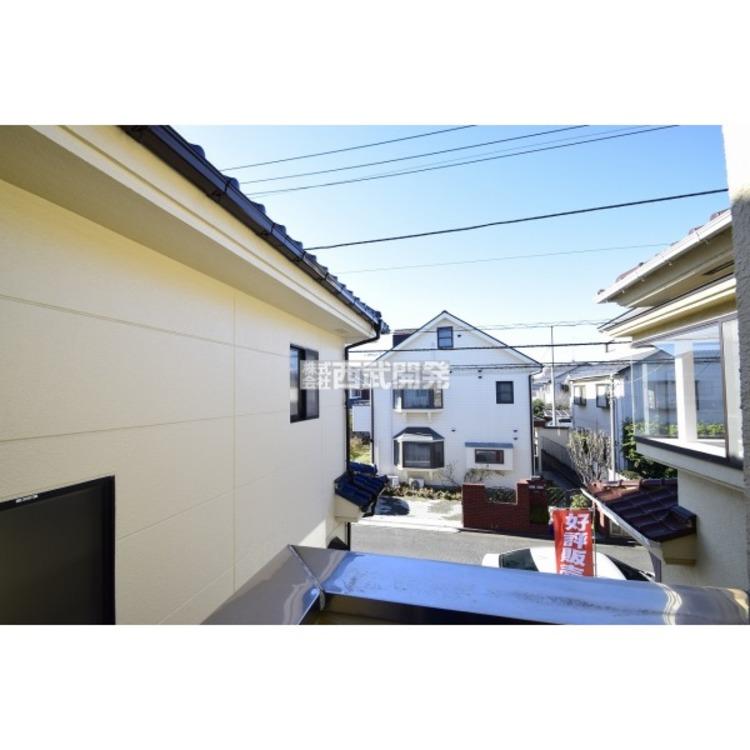 【眺望】閑静な住宅街にたたずむ邸宅。たっぷりの陽当たりがあなたを包み込みます。