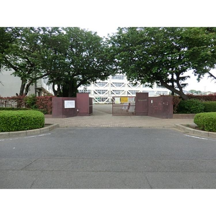 若葉台小学校(約1600m)