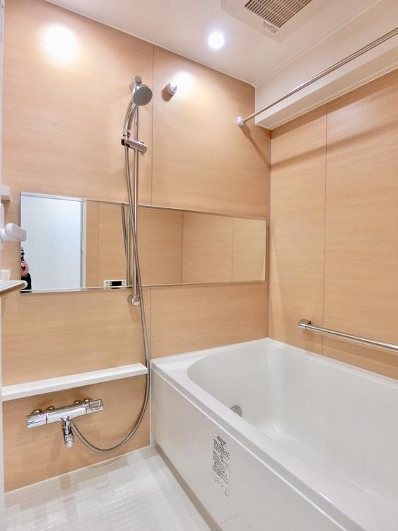 梅雨の時期は大活躍の浴室乾燥機付き。家族の数だけ増える洗濯物もしっかり乾かせます。