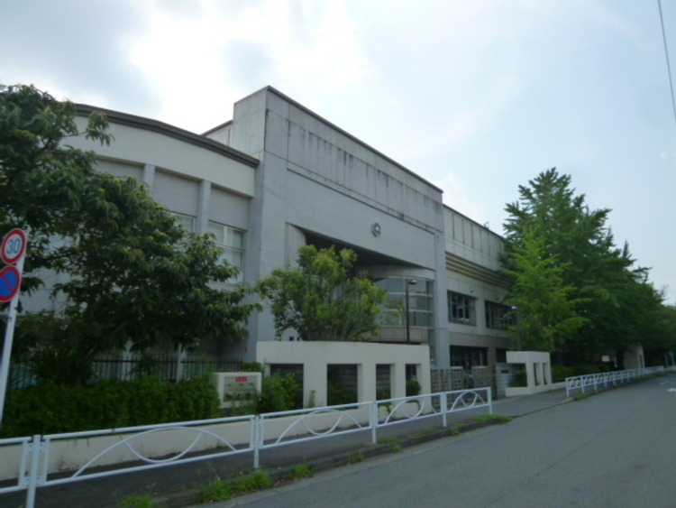 宮崎中学校 距離約1200m