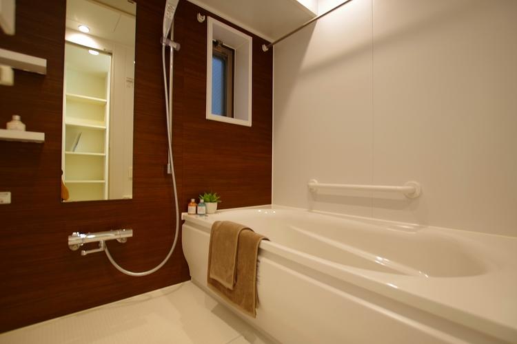 雨の日も快適、浴室乾燥機