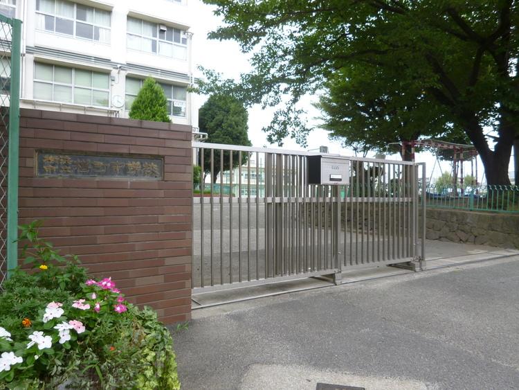 樽町中学校 850m