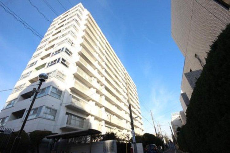 東急東横線「都立大」駅徒歩6分の利便性。80m2超3LDKでゆとりの間取り。フルリノベーションで生まれ変わったお部屋をぜひご覧下さい。