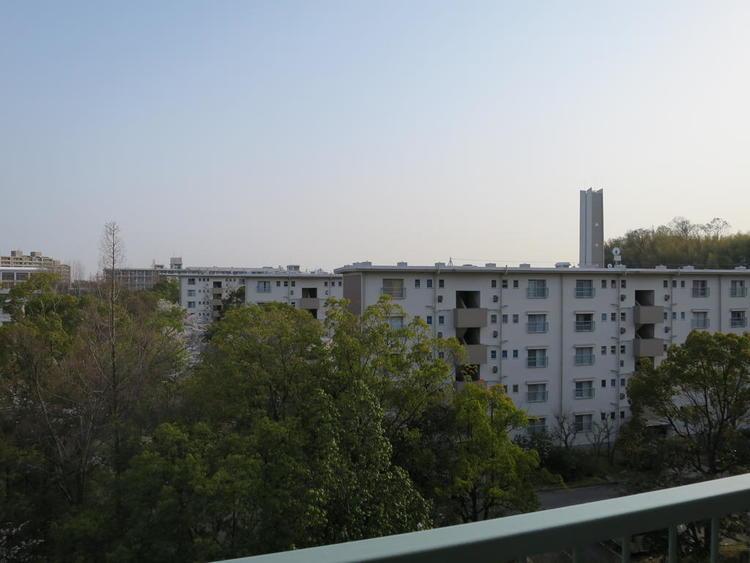 バルコニーからの眺望(南東方向)