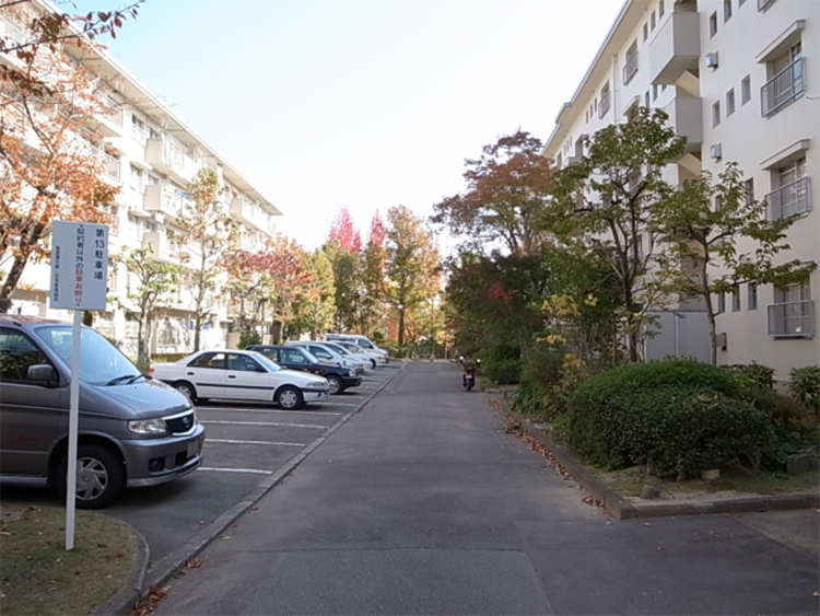 敷地内平面式駐車場