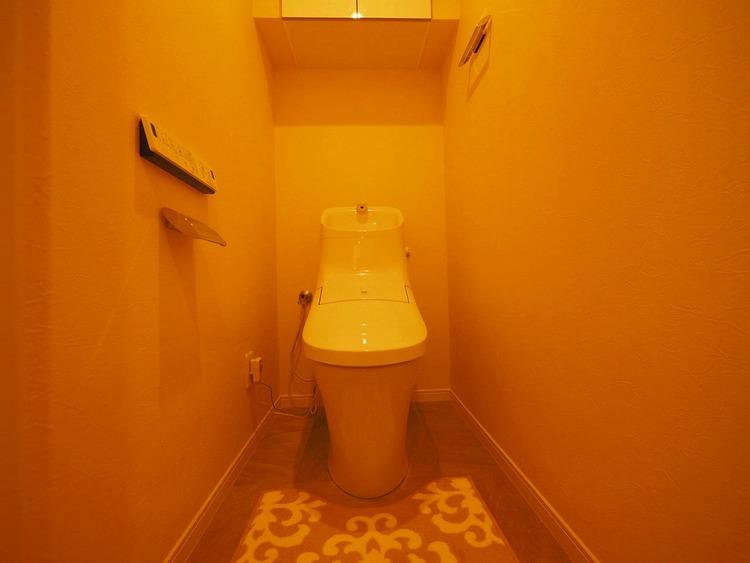 新規設置済み音水洗浄便座機能付きトイレ