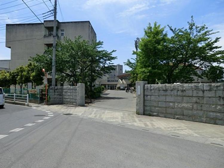 ふじみ野市立葦原中学校 1800m