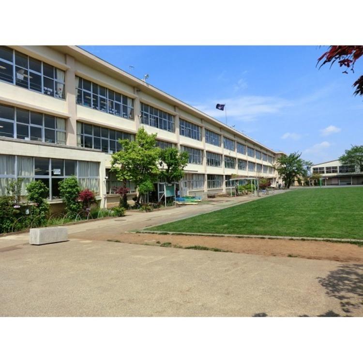 第四小学校(約1400m)