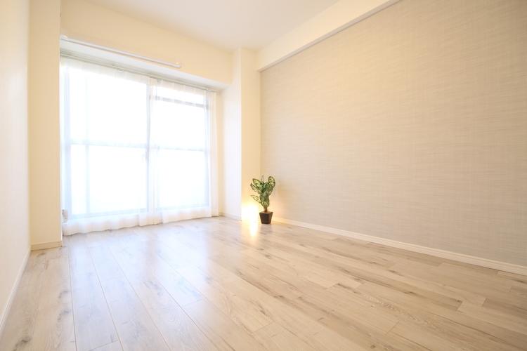 ゆとりを持った寝室は、毎日の疲れを癒す落ち着きある空間となっています