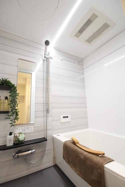 節水型でもたっぷりの浴び心地を体感できるシャワーで、リフレッシュできます