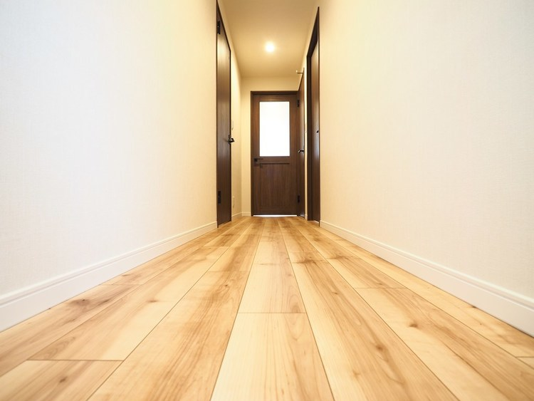 玄関・廊下は、明るくスッキリとした印象に保ちたいものです。