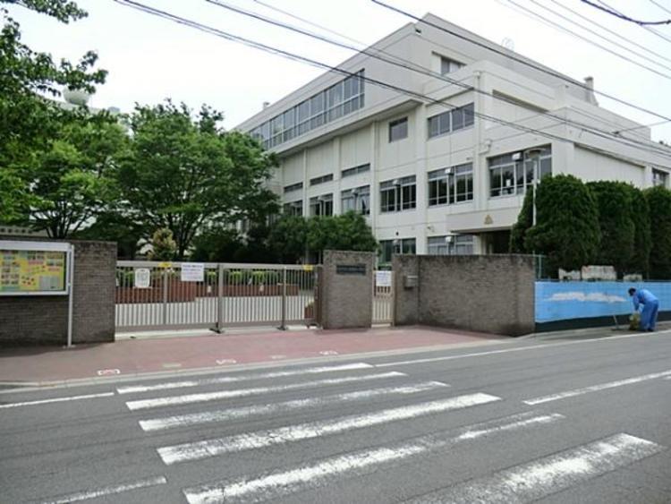 川口市立東領家小学校280m