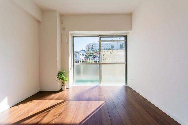 「洋室」約5.2帖 明るい陽光が心地よいお部屋