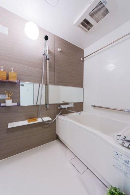「バスルーム」浴室乾燥機・浴室テレビ設置
