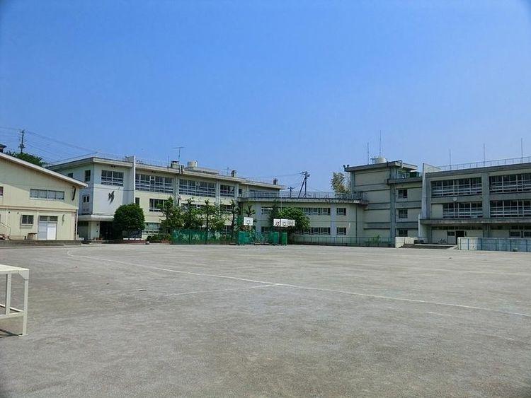 川崎市立長沢中学校 徒歩11分 840m