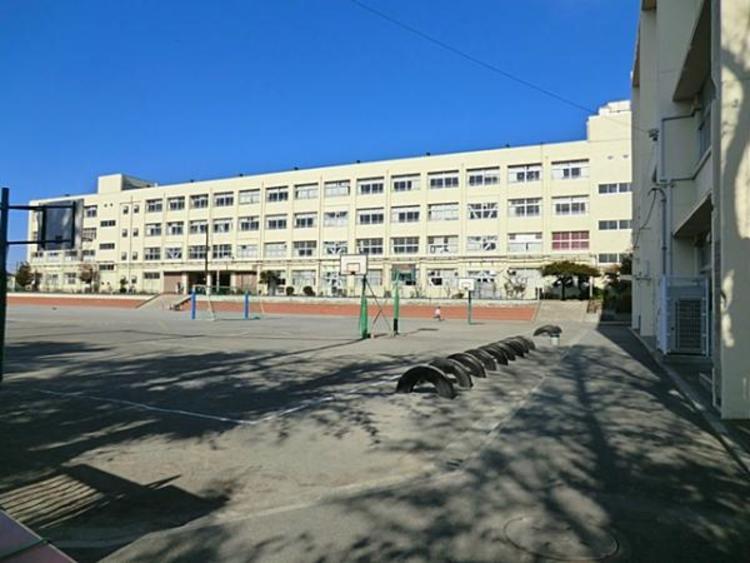 横浜市立下永谷小学校 約110m