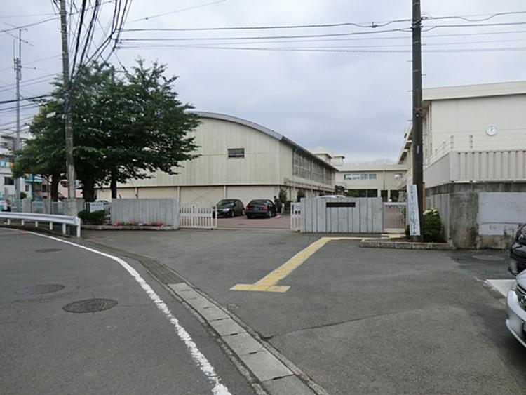 相模原市立新町中学校 距離約670m