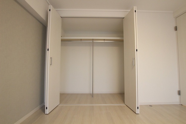各洋室にクローゼットがあり、必要な場所に必要なモノを収納できます