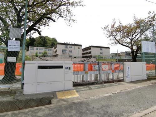 「鶴川」駅 町田市三輪緑山2丁目の画像