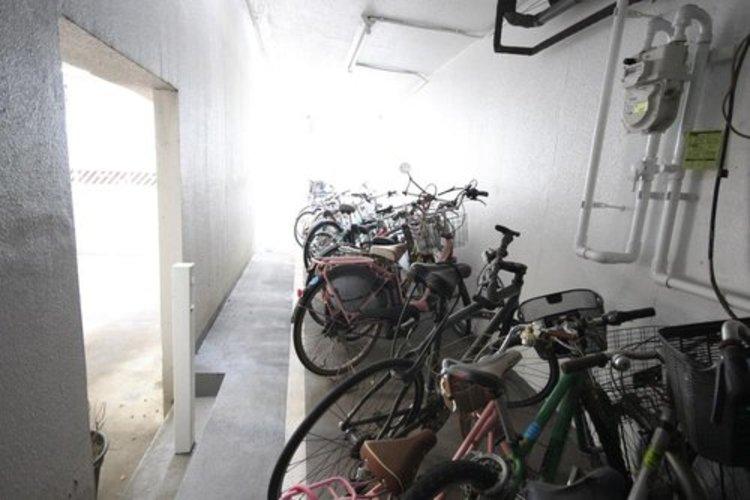 駐輪場はいくつかの場所にわかれており、整理整頓されているため非常に綺麗な状態が保たれています。
