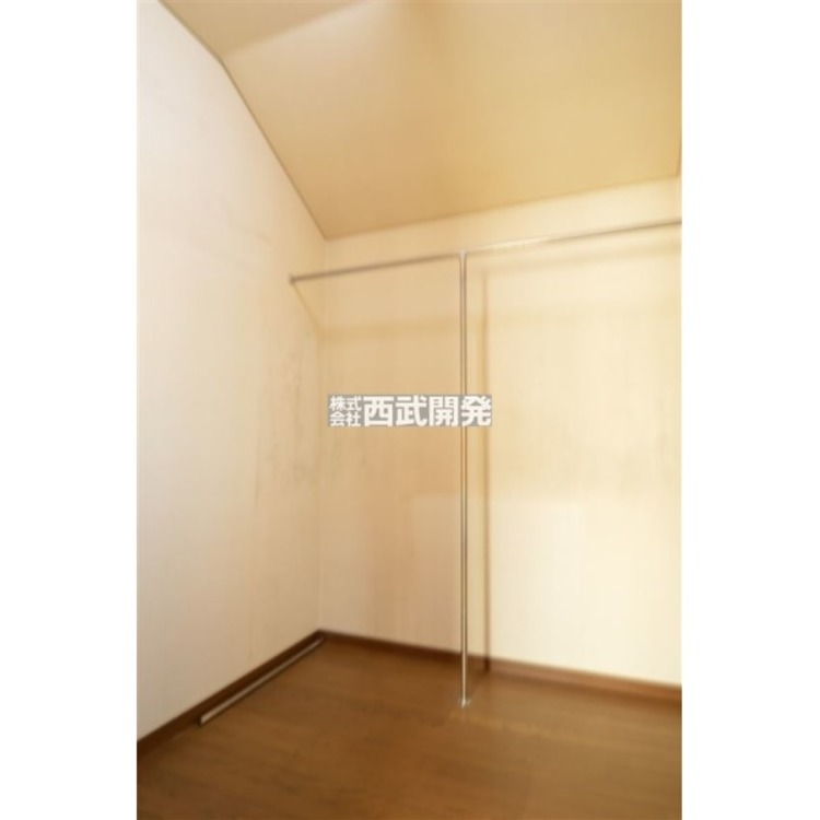洋室8帖には大型クローゼット付き!