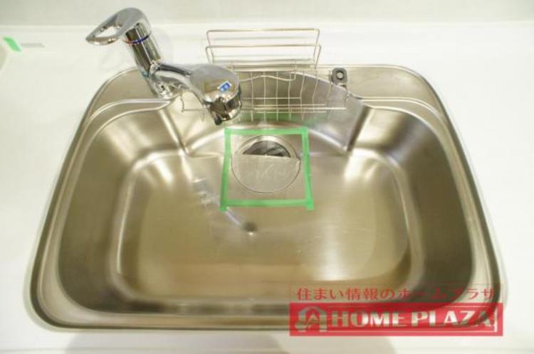 大き目なお鍋も余裕をもって洗える大きさのシンク