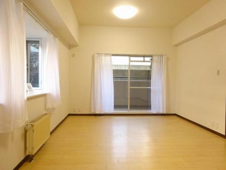 約10.5帖の主寝室!居室にはトイレも付いてます!