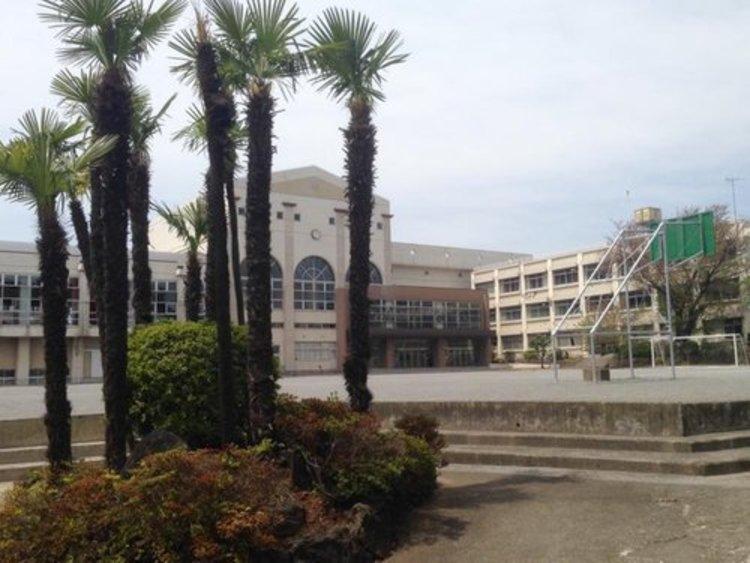 大田区立馬込中学校まで400m 教育活動:馬込中はよく学ぶ生徒がいる学校です。
