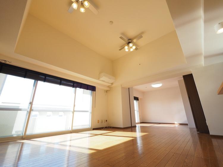 住まいの隅々まで降り注ぐ陽光は、暮らしの時間の快適性を演出してくれます。光に満ちた家はお客様の自慢となることでしょう。