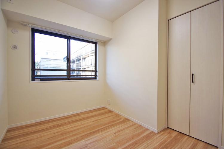 洋室約4.5帖収納スペース