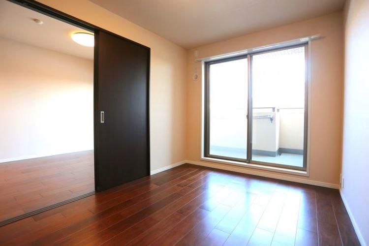 「洋室」約6.0帖 明るい居室