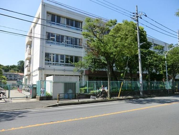 野川小学校 450m
